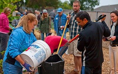 Promotional image of Solana Center's Master Composter cou...