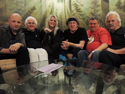 Promotional photo of Jefferson Starship.