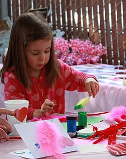 Promotional photo of Valentine's Craft Day for Kids at Free Flight. Courtesy photo of Free Flight Birds.