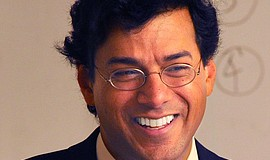 Promotional photo of Atul Gawande, the surgeon and writer who explores aging ...