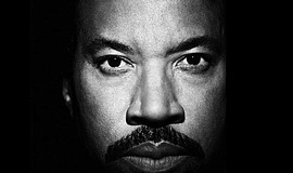 Promotional photo of Lionel Richie.