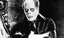 Promotional photo of Lon Chaney as the Phantom of the Opera.