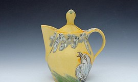 Photo of a teapot at the San Diego Potters' Guild.