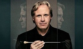 A photo of conductor Markus Stenz, courtesy of the San Diego Symphony.
