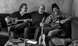 Promotional photo of Tom Paxton and The Don Juans.