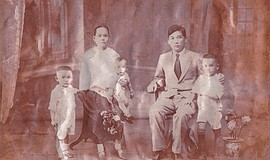 China c. 1929 -- A Lowe Family portrait taken with Samuel Lowe (Lowe Ding Cho...