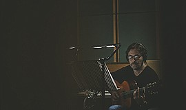 Photo of the featured performer. Courtesy of Al Di Meola.