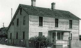 Photo of the Davis Horton House.
