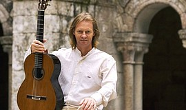Promotional photo of guitarist David Russell.