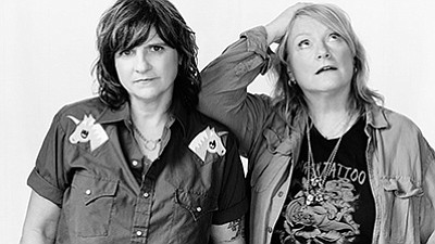 A promotional photo of the Indigo Girls.