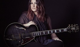 Promotional photo of musician Jennifer Knapp.