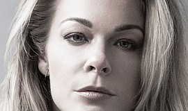 Promotional photo of singer LeAnn Rimes.