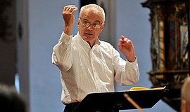 Promotional photo of Sir Peter Maxwell Davies. Courtesy of CS-Neumüller.
