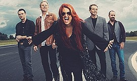 Photo of Wynonna Rudd & The Big Noise courtesy of San Diego Symphony.