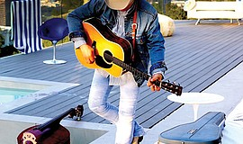 A photo of musician Dwight Yoakam.