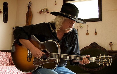 Promotional photo courtesy of Arlo Guthrie.