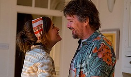"""Ethan Hawke and Rose Byrne in """"Juliet, Naked"""" (2018)."""