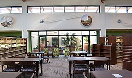 Interior photo of Mission Hills-Hillcrest/Knox Library