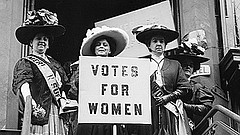 Trixie Friganza between suffrage leaders. N.Y., 1908. (Courtesy of Library of...