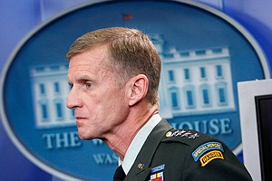 Tease photo for McChrystal Resigns; Petraeus To Step In