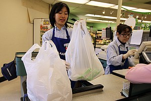 Plastic Bag Bill Faces Battle In Sacramento