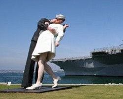 $600,000 Already Raised For Permanent Kiss Statue