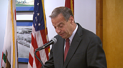 Filner Returns To City Hall After Three-Week Absence
