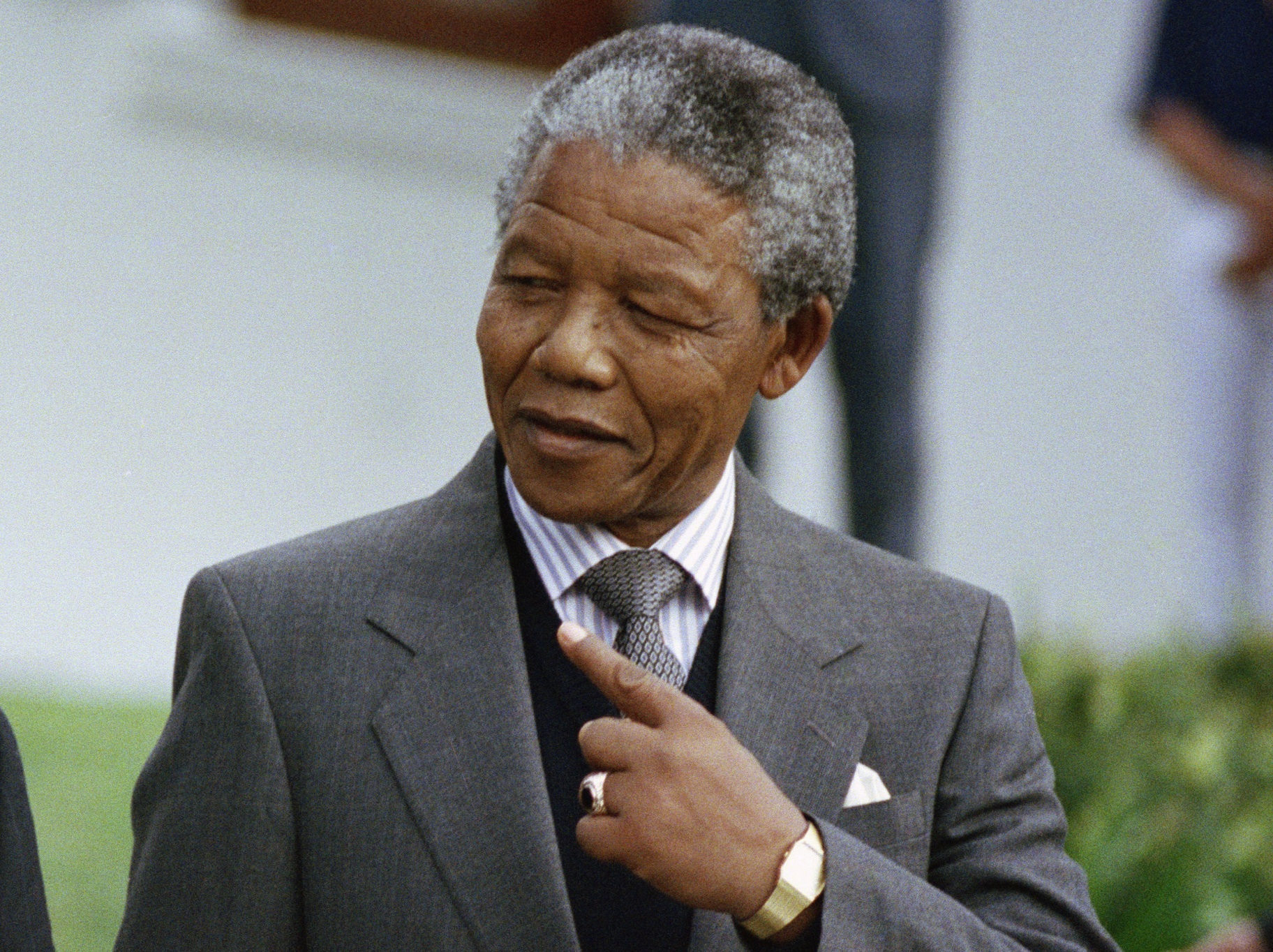 taking a look at nelson mandela Taking a look at nelson mandela 639 words   3 pages nelson rolihlahla mandela was born on the 18th of july 1918 in a small village of mvezo, in mtata and grew up in qunu and that is where he went to school and was given his christian name nelson'' by his teacher.