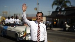 Tease photo for Los Angeles Mayor Visits Mexico City, Says Obama Should Cut Deportations