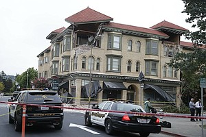 Largest Quake In 25 Years Hits Bay Area; Napa Suffers Mos...
