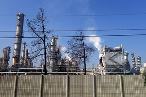 Blast Hits Southern California Refinery