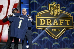 Chargers Move Up 2 Spots To Draft Running Back Melvin Gor...