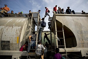 Experts: U.S-Mexico Border To See 39,000 Unaccompanied Mi...