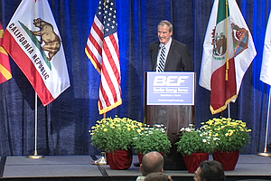 Mexico's Vicente Fox Says U.S. Should Build Bridges, Not ...