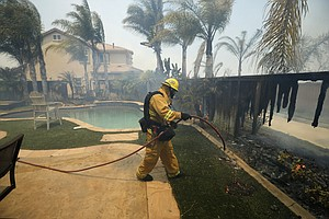 More Californians Are Refusing To Evacuate Despite Fire D...