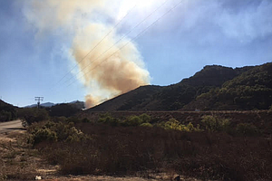 Firefighters In San Diego County Battle 'Gopher Fire' Nea...