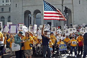 Tease photo for California State-Worker Union Cancels Monday Strike