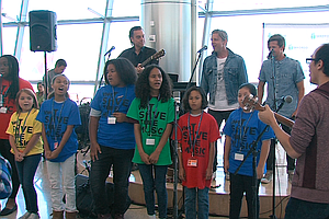 Fifth-Graders Perform At San Diego Airport With Switchfoo...