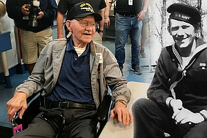 97-Year-Old Navy Veteran Visits USS Midway For First Time...