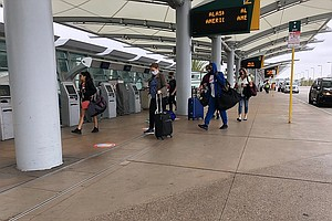 San Diego International Airport Workers Asking For COVID-19 Vaccine