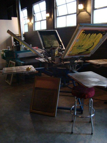 You have to check out the screen printing press at Enclothe