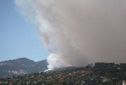Beginning of Jesuita Fire in hills above Santa Barbara on May 5, 2009.