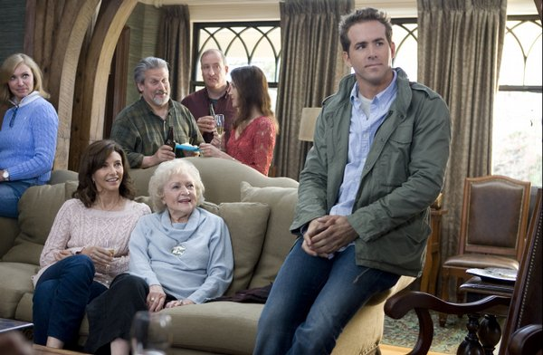"The Paxton family in ""The Proposal"""