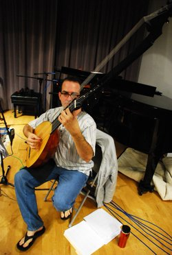 Daniel Zuluaga plays the theorbo.