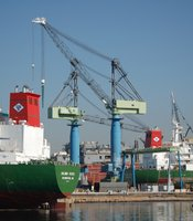 The Port manages the working waterfront in San Diego Bay, where long-shore workers offload cargo for the region at the Tenth Avenue Marine Terminal.