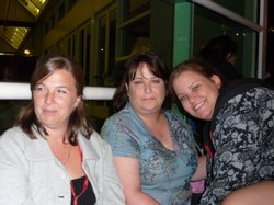More Twilight Moms... and daughters in line at Hall H.