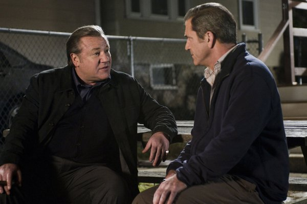 "Ray Winstone and Mel Gibson in ""Edge of Darkness"""