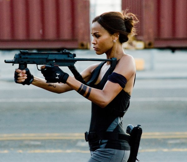 "Zoe Saldana gets tough in ""The Losers"""