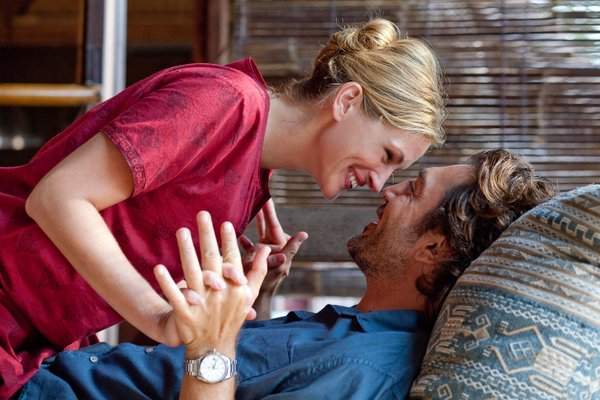"Julia Roberts with Javier Bardem in ""Eat, Pray, Love"""