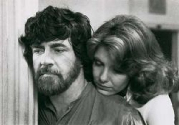 "Jill Clayburgh turns down her Prince Charming (Alan Bates) in ""An Unmarried Woman"""